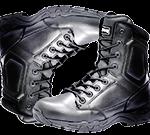Paire de chaussure montante de sécurité de couleur noire et de marque Magnum.